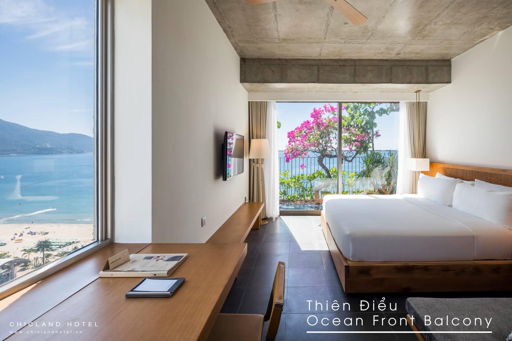 Phòng Thiên Điểu Ocean Front Balcony